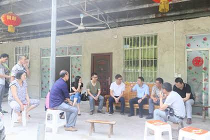 大竹县委常委,组织部长吴炼深入高明镇调研河长制工作